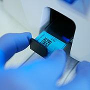 digitale Probenzuordnung und Barcodeetikettierung des Probeneingangs, der Blockpräparate und der zugehörigen Schnittpräparate